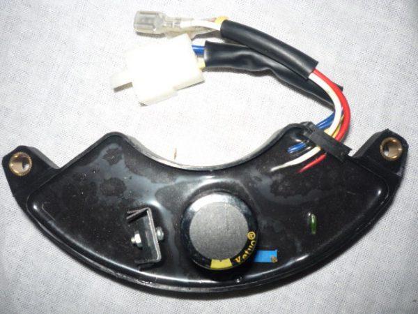 Aggregátor feszültség szabályzó fesszabályzó 5,5-7 kW SZ32-99007