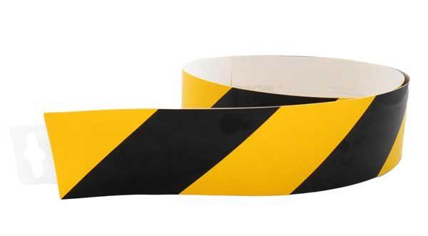 Jelzőszalag sárga/fekete normál 980x60mm – matrica 120131