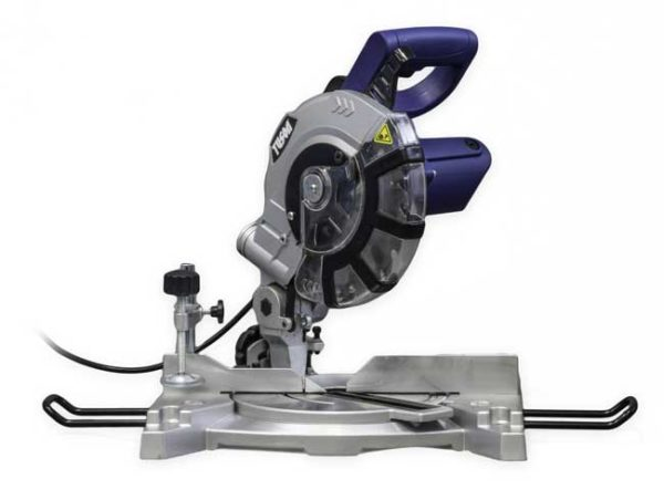 TUSON  gérvágó  fűrész körfűrész  210mm  1400W 130030