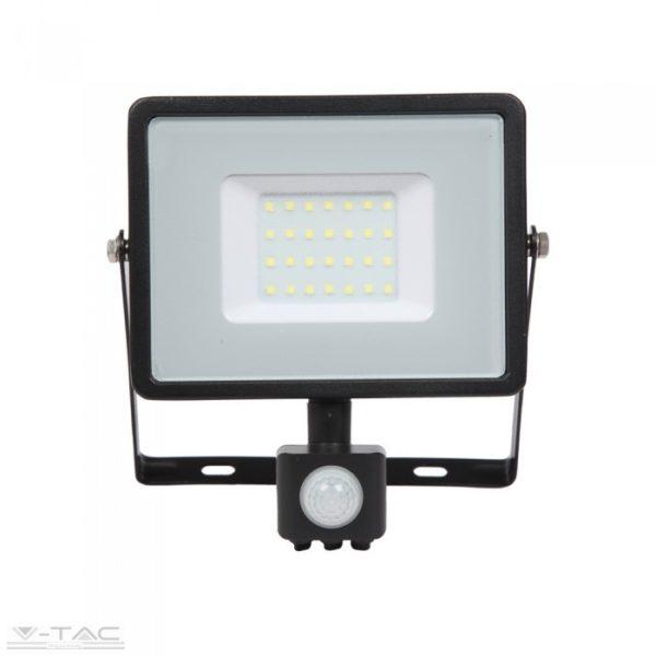 V-TAC kültéri mozgásérzékelős LED reflektor lámpa 30W 4000K IP65 napfény fehér PRO461
