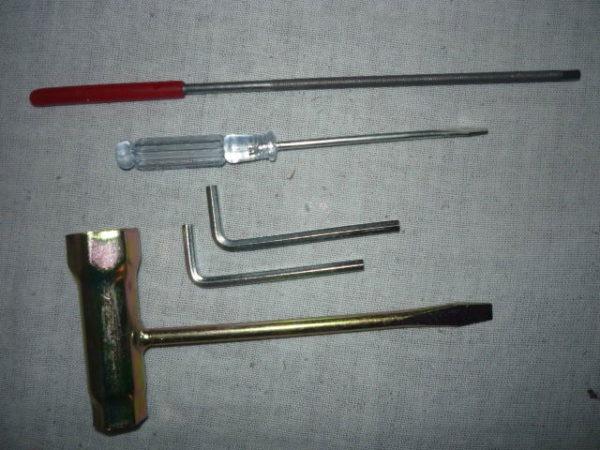 Szerszámkészlet láncfűrészhez SZK01