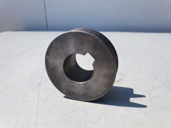 Ékszíjtárcsa 57 mm átmérő 24 mm tengelyre 8 mm ék 13 mm ékszíjpálya EK7447