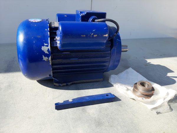 Villanymotor motor egyfázisú 2,2 kW 1500 ford kék dobozsérült YL90L-4DS