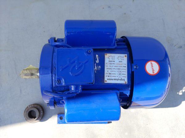 Villanymotor motor egyfázisú 3 kW 3000 fordulat dobozsérült YL9030PDS